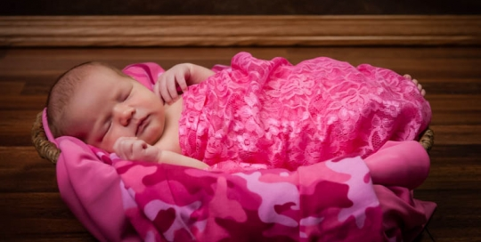 St Charles Newborn Baby Photographer Baby Girl in Pink