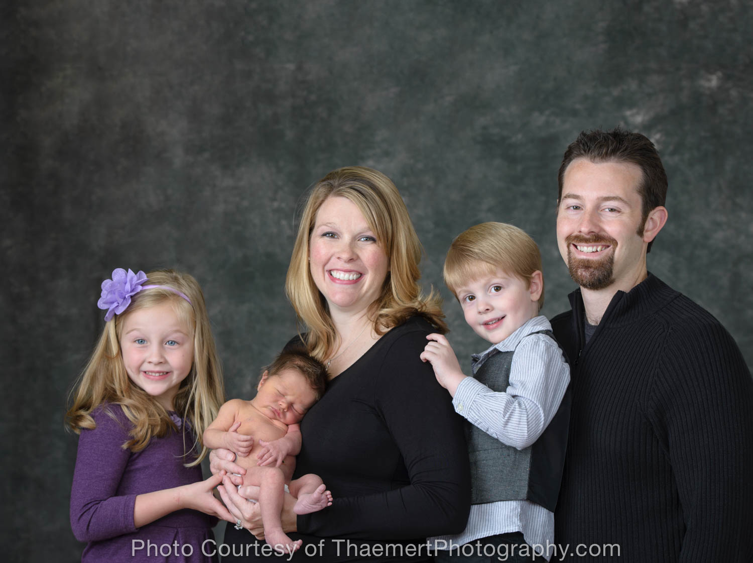 Family Newborn Photography in St Charles