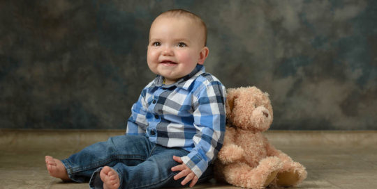St Charles Baby Photography | Boy and his Bear