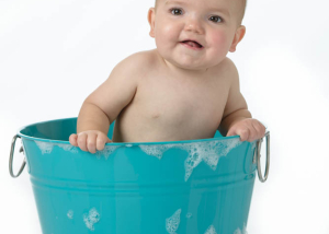 Baby Bucket and Bubbles   St Charles Baby Photography