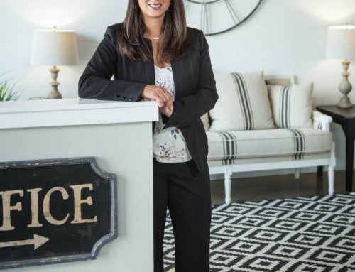 Liz – Fenton Real Estate Agent Casual Business Portrait
