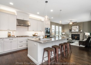 Professional real estate photo of a brand new kitchen