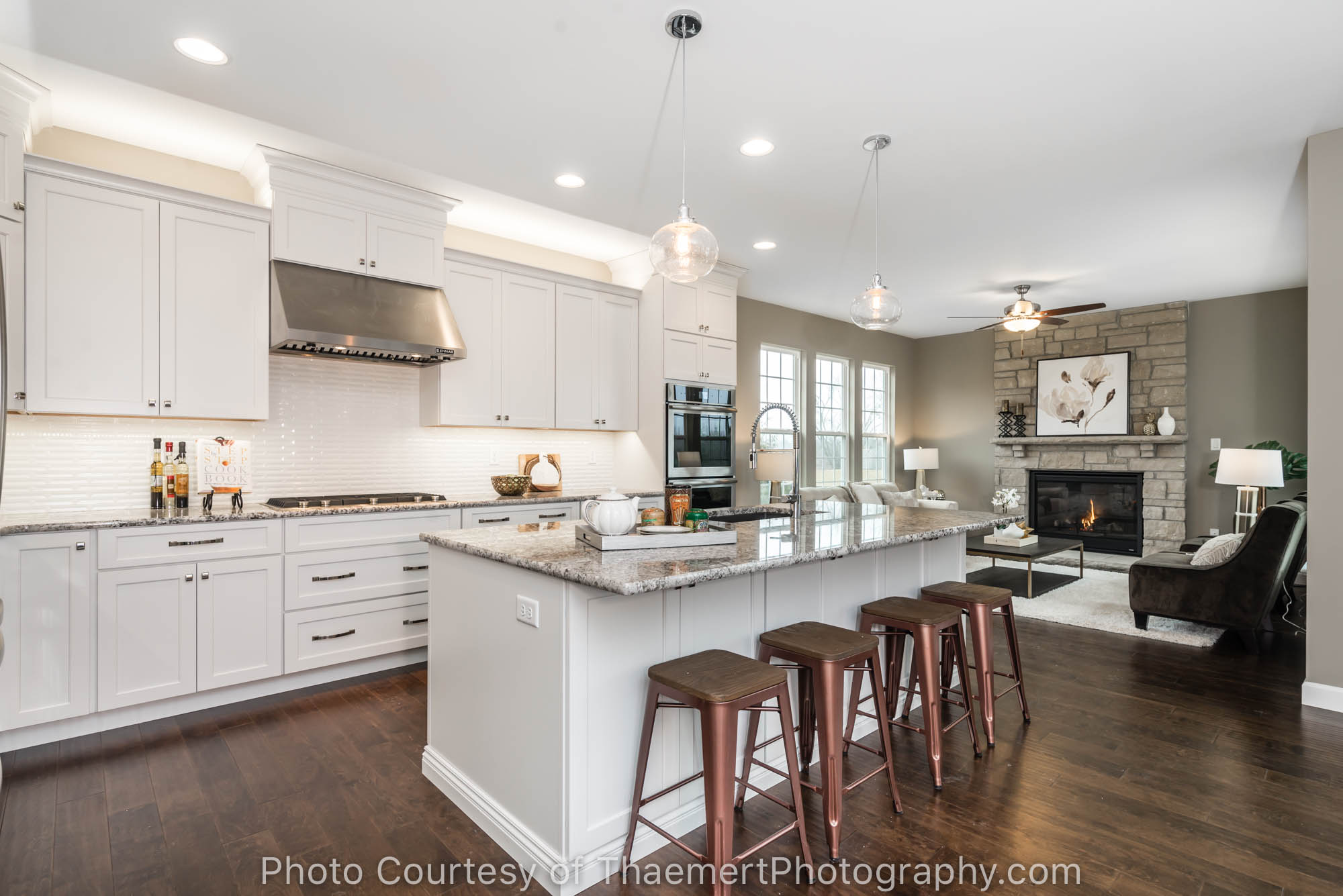Gorgeous custom kitchen by St Louis Real Estate Photographer - St ...