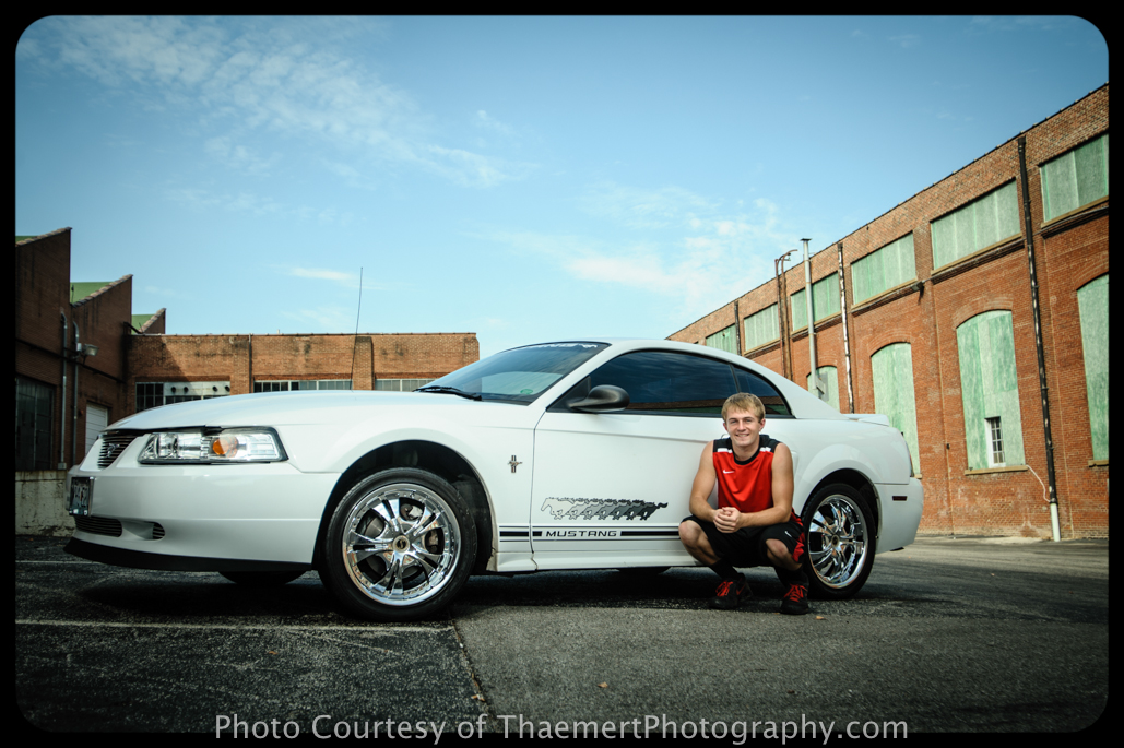 St Charles Senior Photographer photos with his car