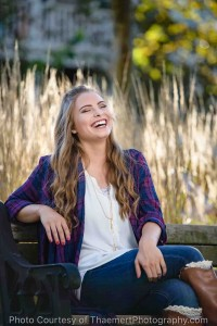 Fall Senior Girl Pictures in New Town